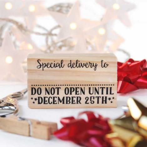 Sello Christmas Do not open util December 25th