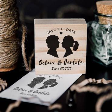 Sello personalizado boda con silueta de los novios