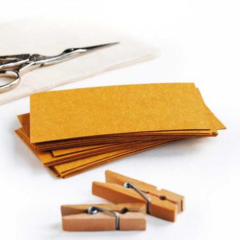 Tarjeta cartulina color amarillo mostaza