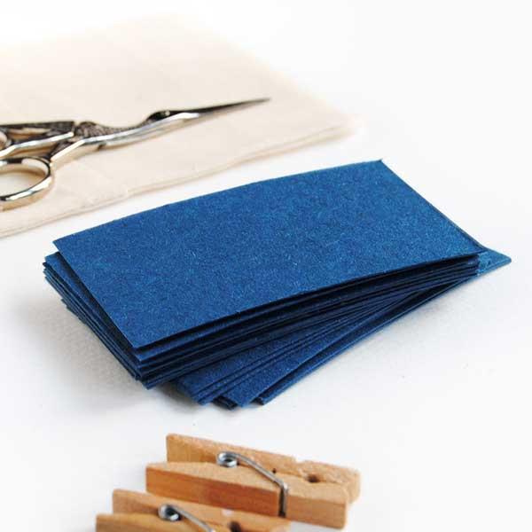d9c12a419 Pack de 25 tarjetas en un bonito color azul para poner notas escritas a  mano dentro de tus pedidos o para el sitting y los regalos de tu boda en la  playa.
