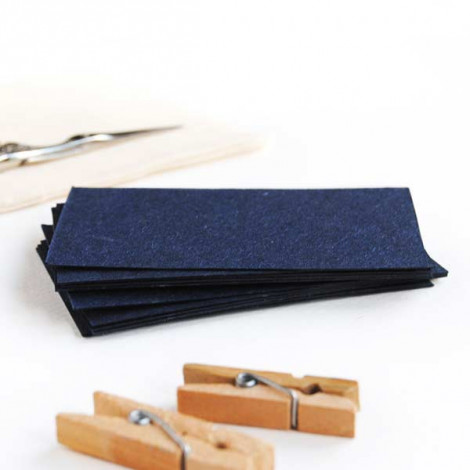 Tarjeta cartulina color azul marino