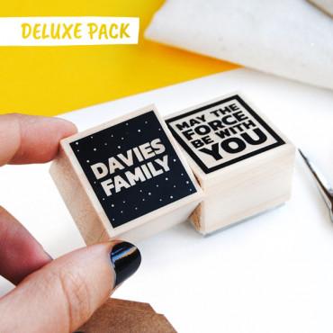 Puedes añadir el DELUXE PACK en las opciones de producto