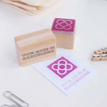Decora las etiquetas de tus productos. Haz un sello con tu texto en nuestro apartado de Sellos para Empresas